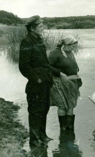 дед и баба валя провожают на плюссе
